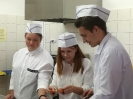 Uroczyste wprowadzenie klas pierwszych do pracowni gastronomicznej_9
